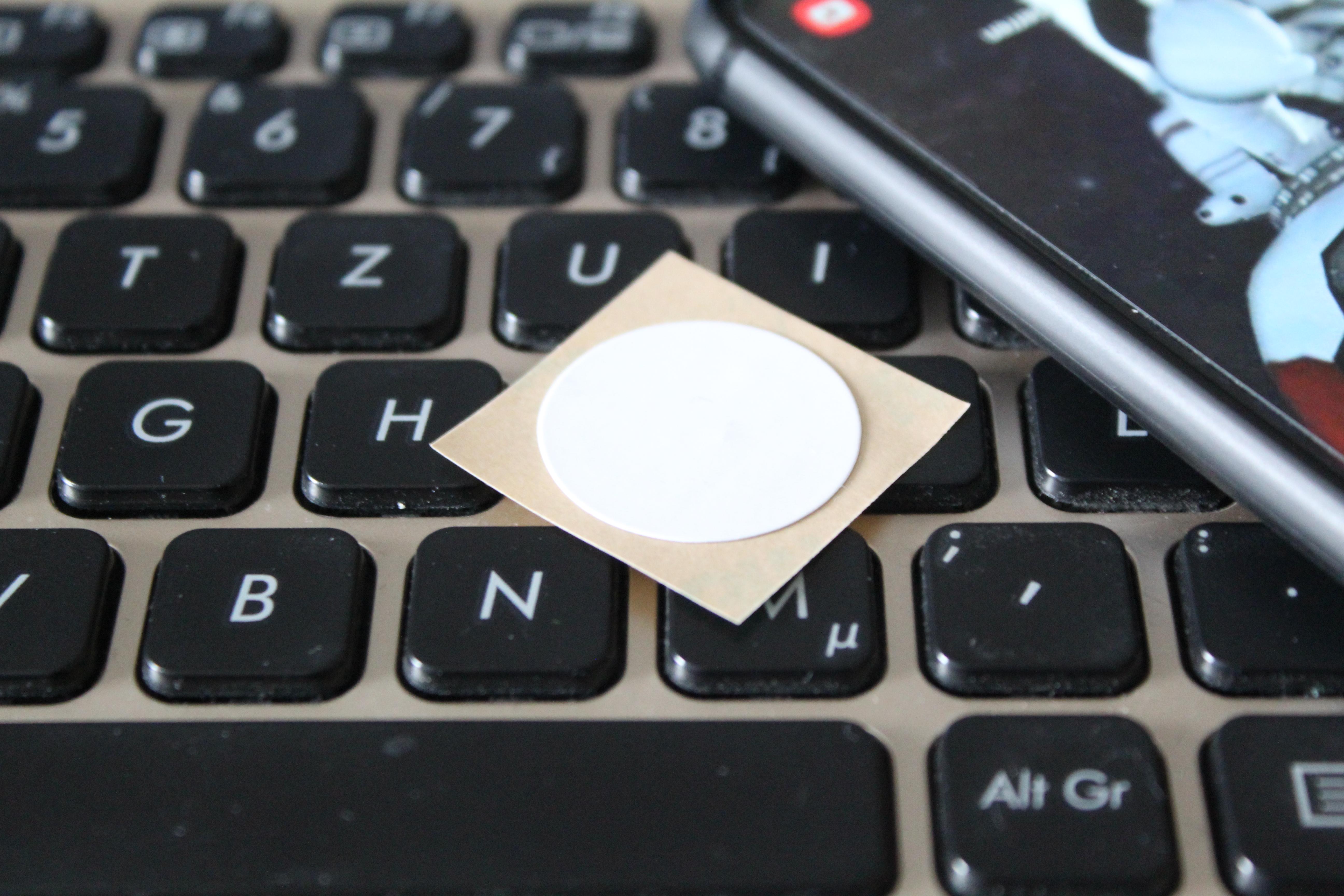 NFC Tag auf Tastatur